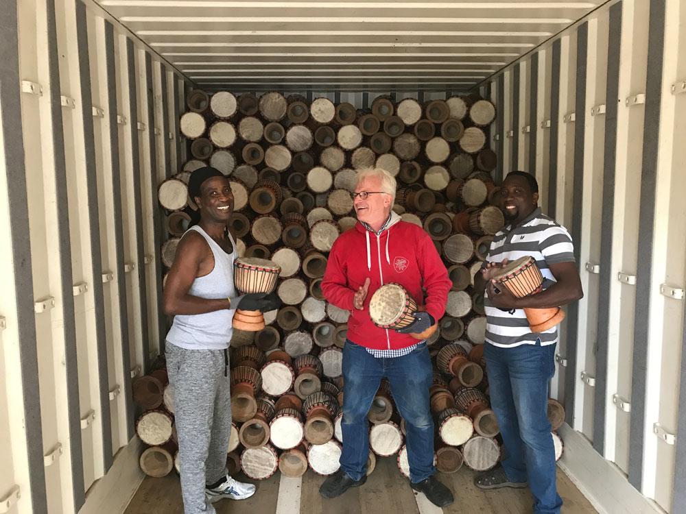 Neue Trommeln aus Ghana